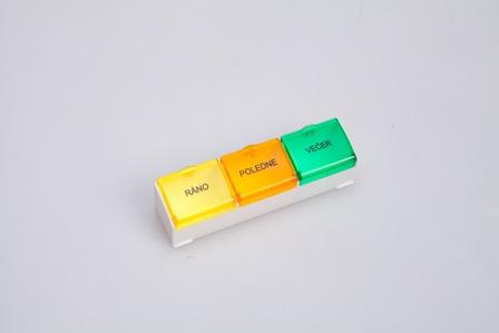 denní dávkovač léků 03 barevný